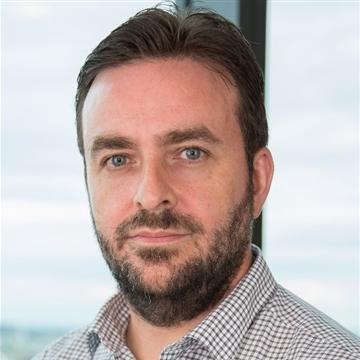 Stephen Hennessy Headshot